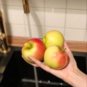 Äpfel waschen